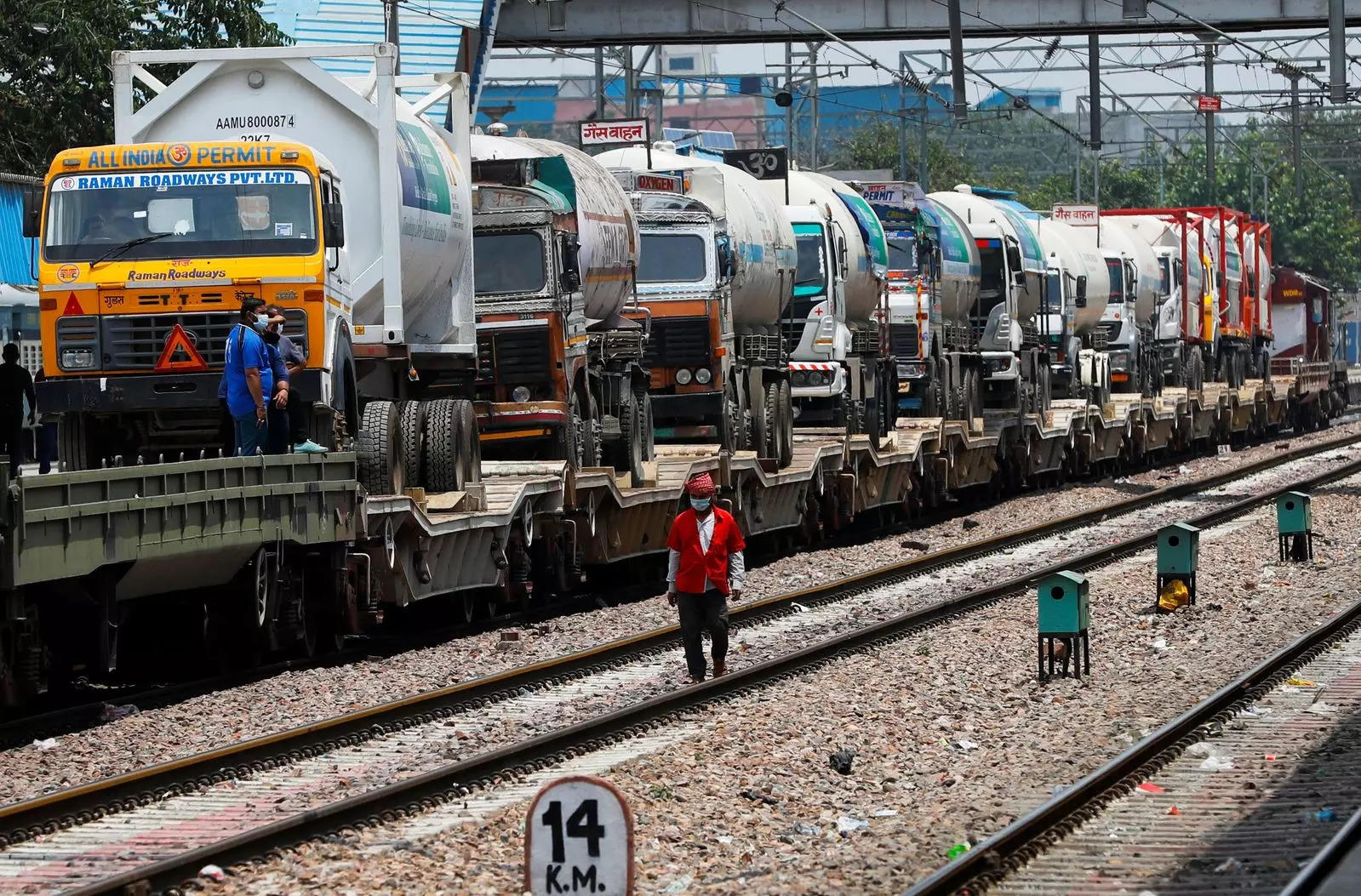 6260-ton-oxygen-delivered-across-country-railway-ministry