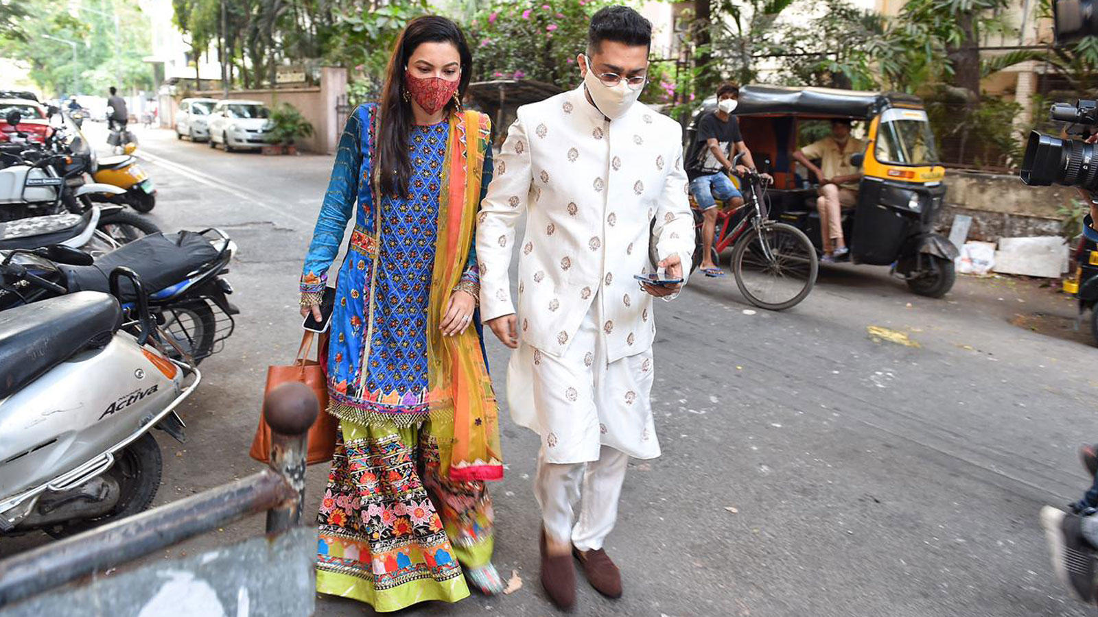 gauahar-khan-and-zaid-darbar-get-papped-in-andheri