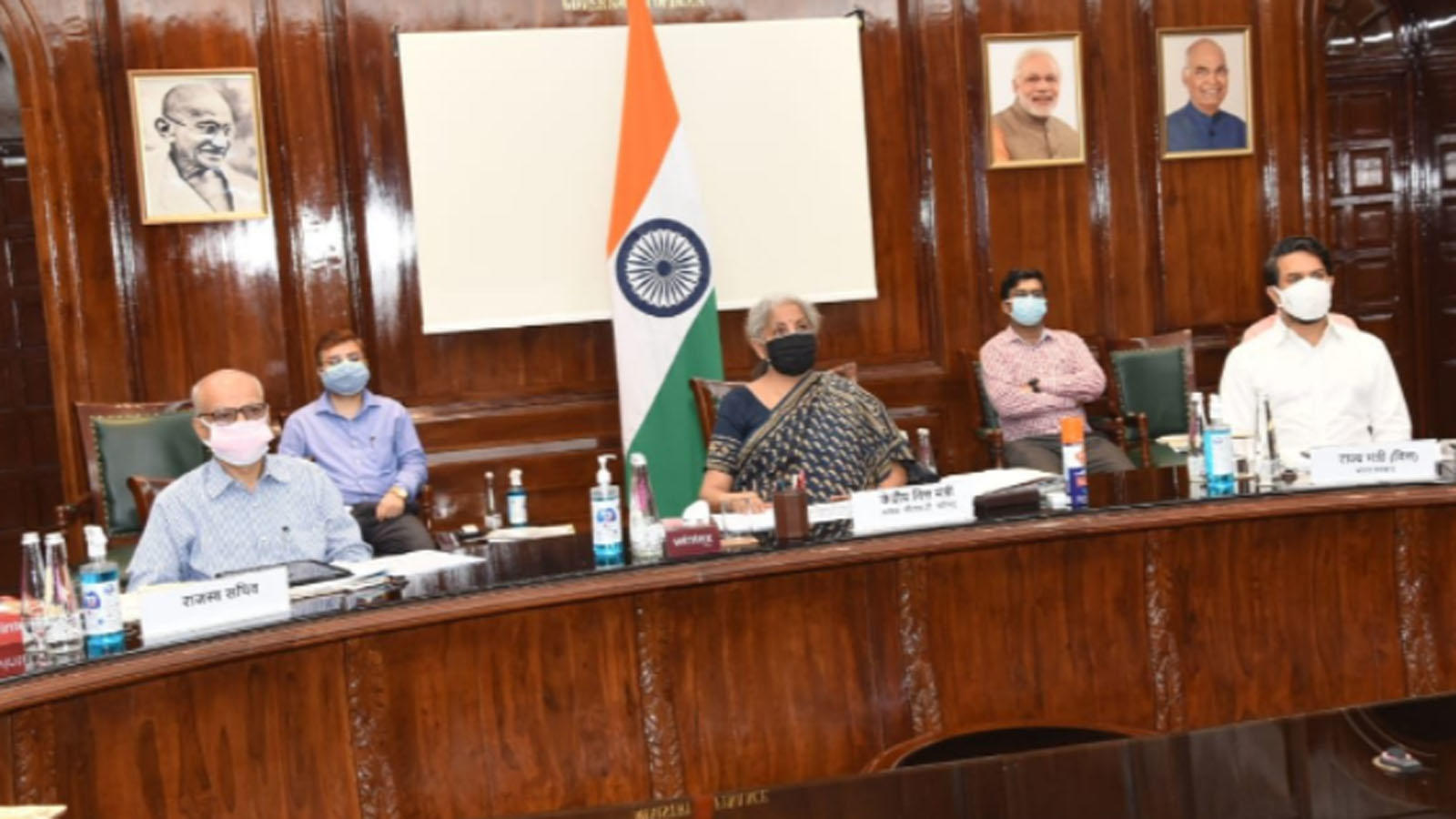 gst-council-reduces-rates-on-several-covid-related-essential-items-5-tax-on-vaccines-to-stay