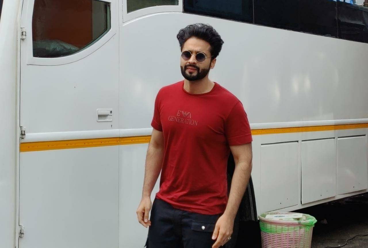 jackky-bhagnani-was-spotted-a-studio-in-mumbai
