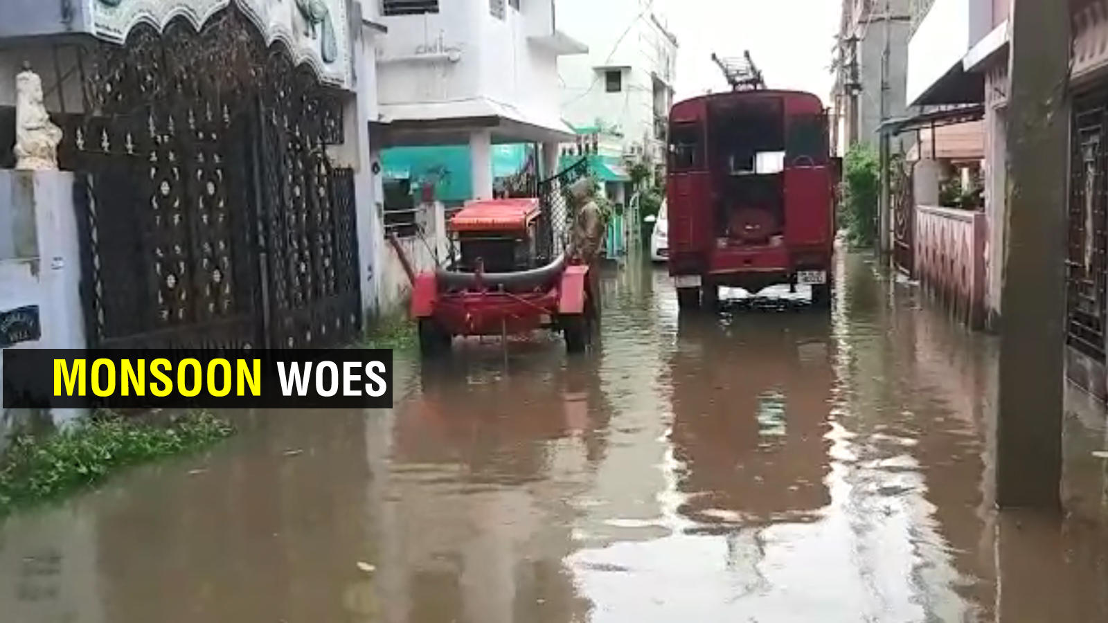 bhubaneswar-bmc-officials-swing-into-action-to-end-waterlogging-woes