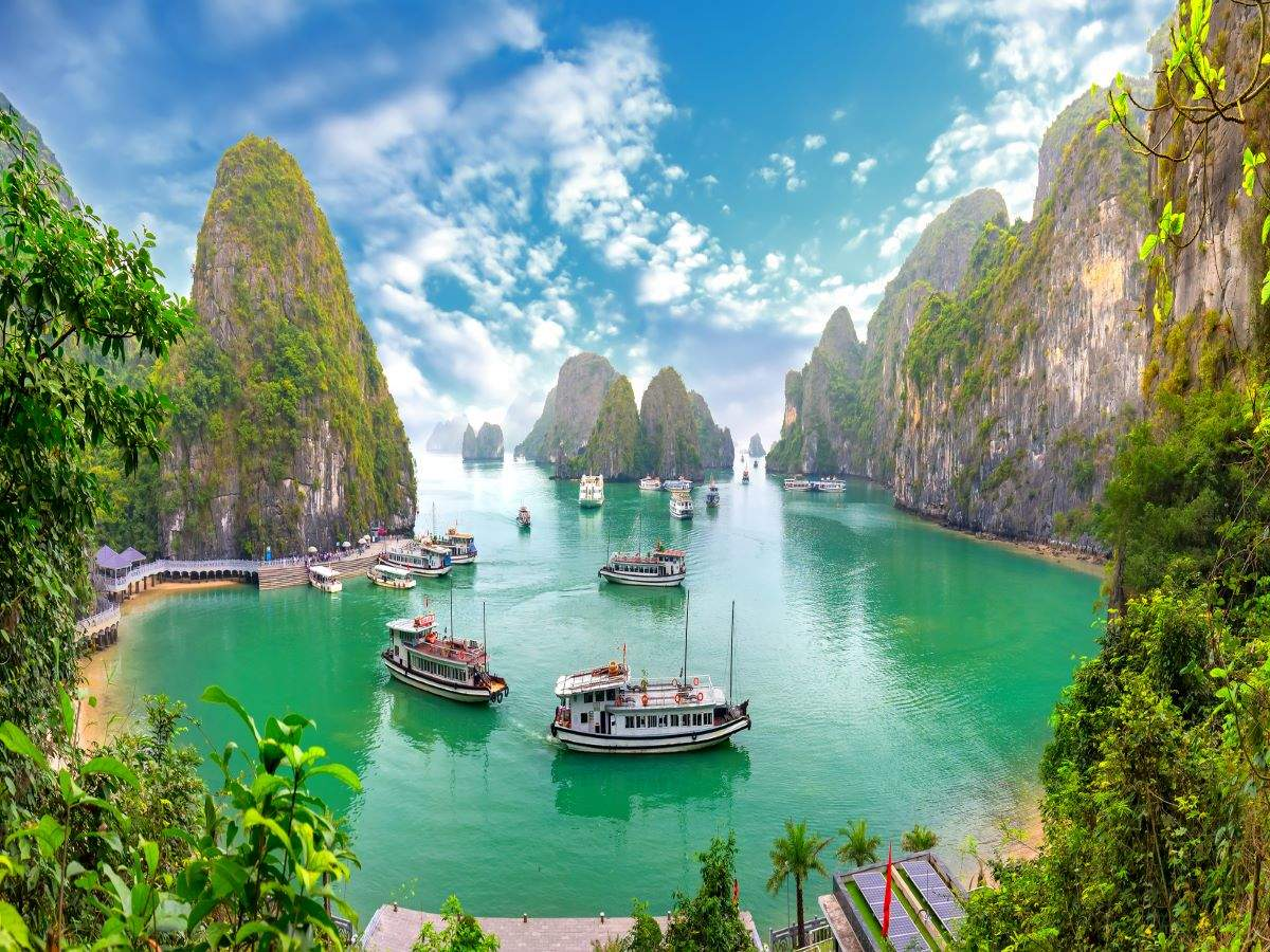 Vietnam's Ha Long Bay to reduce quarantine requirement for fully vaccinated travellers