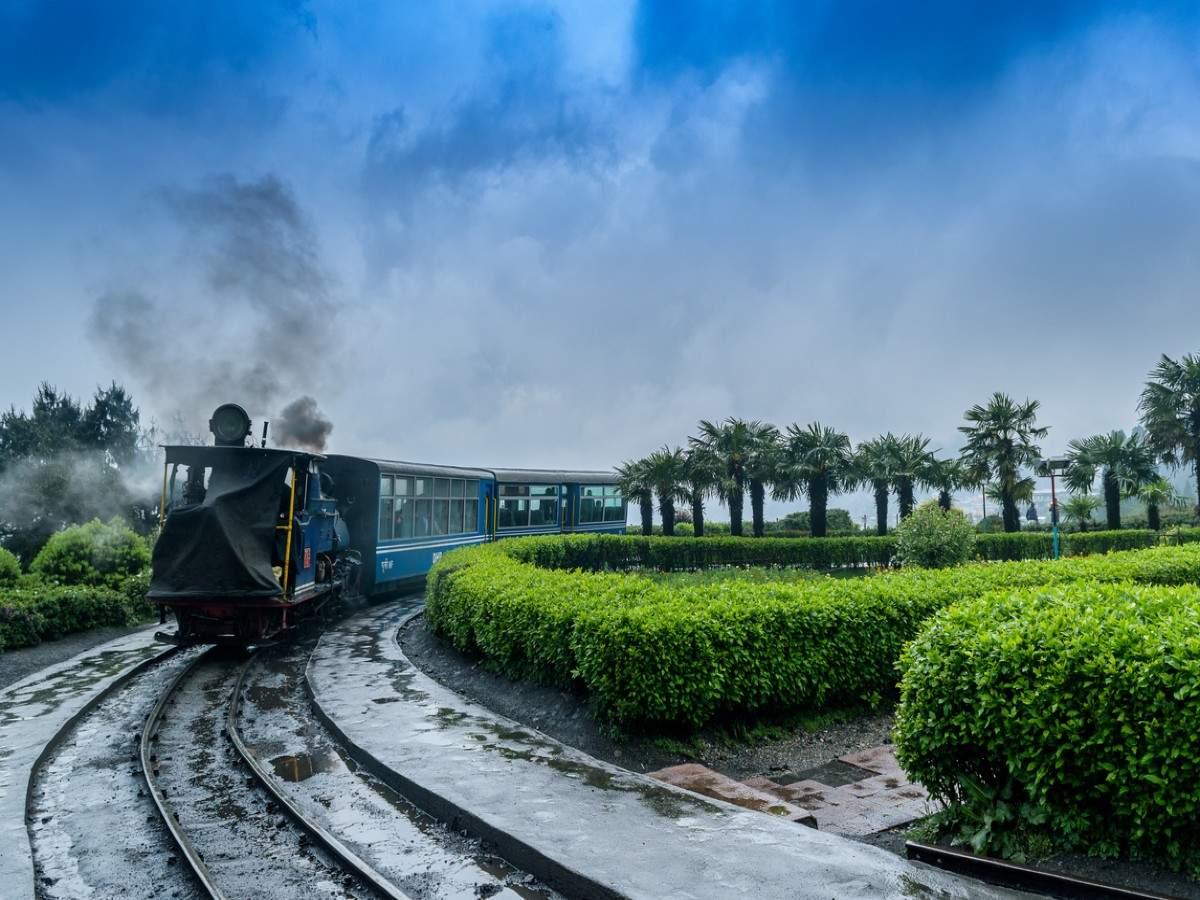 Movie shooting on Darjeeling toy train becomes easier now