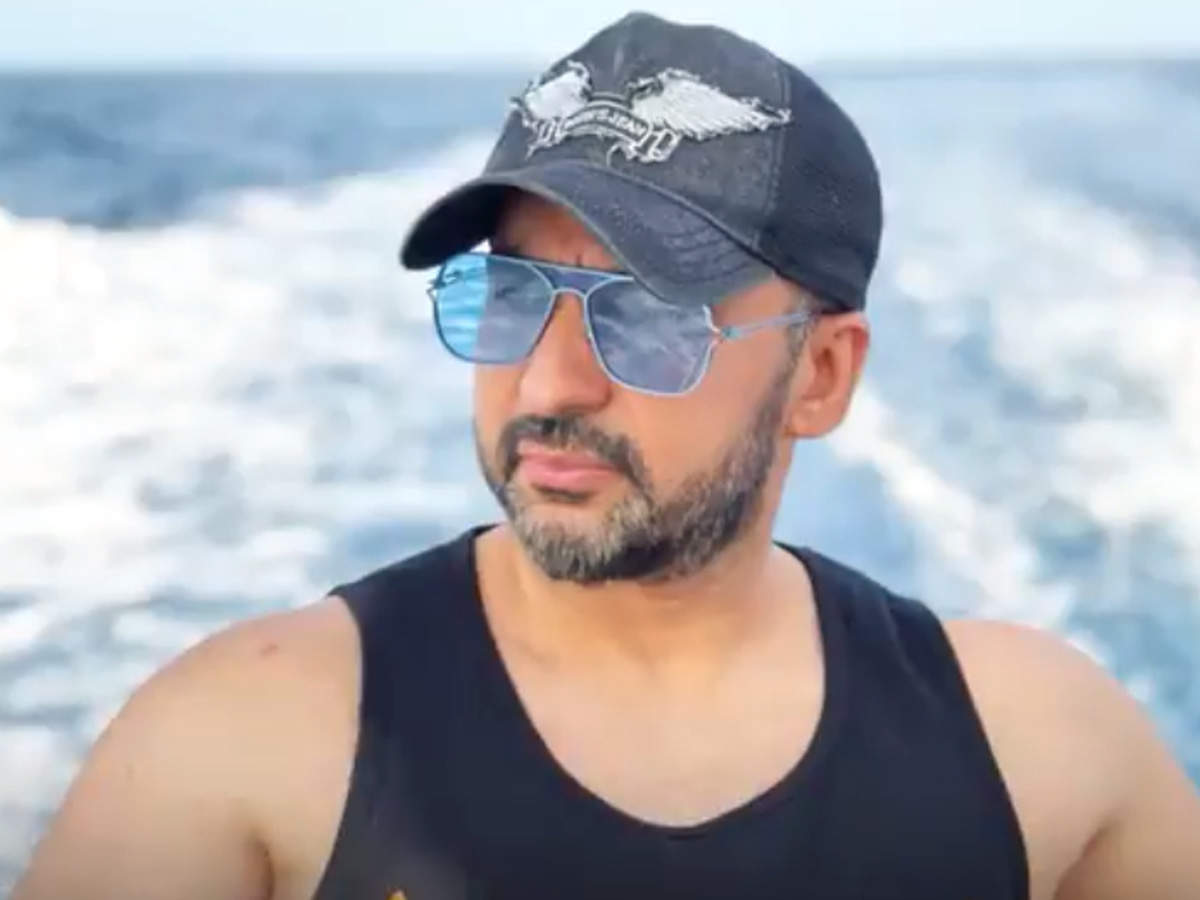 Raj Kundra arrest: WhatsApp chats between Kundra and partners key evidence in case |  Hindi Movie News - Times of India