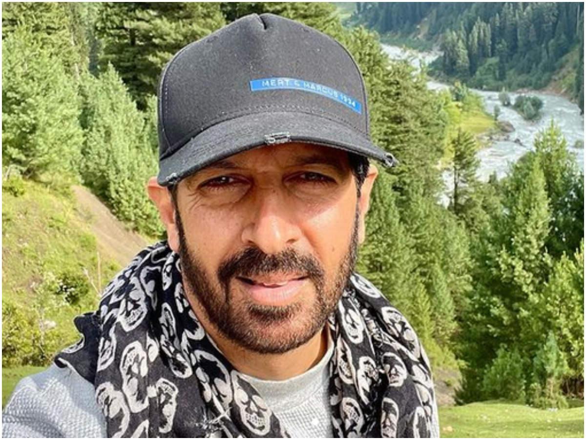 kabir khan: Kabir Khan celebrates Eid in Kashmir   Hindi Movie News - Times  of India