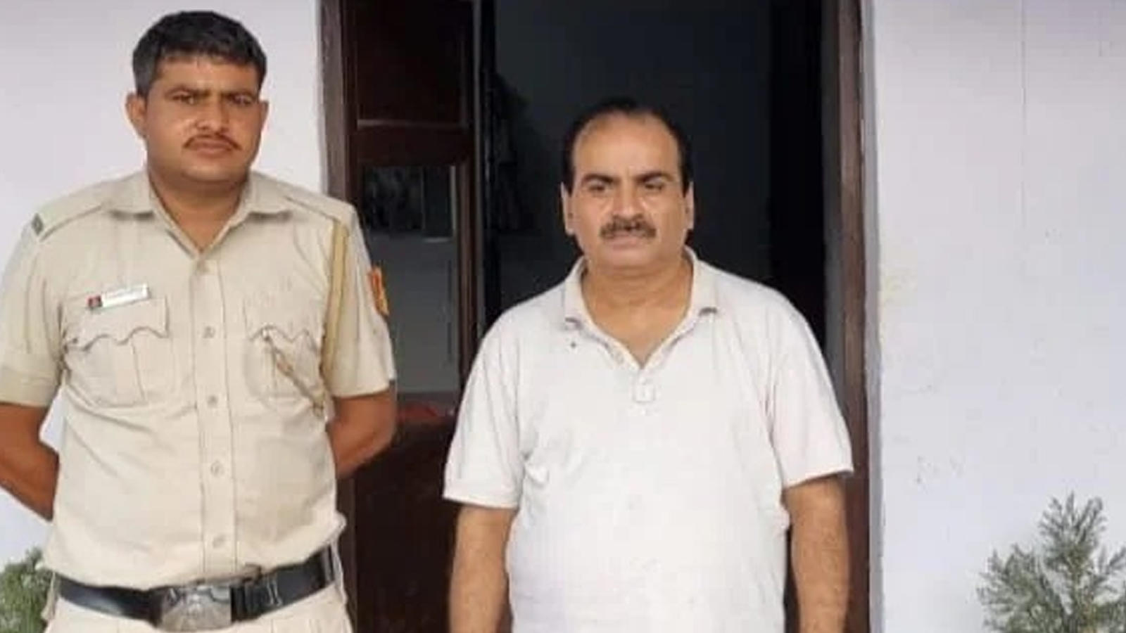 film-producer-arrested-from-mathura-for-duping-delhi-businessman-of-rs-32-lakh