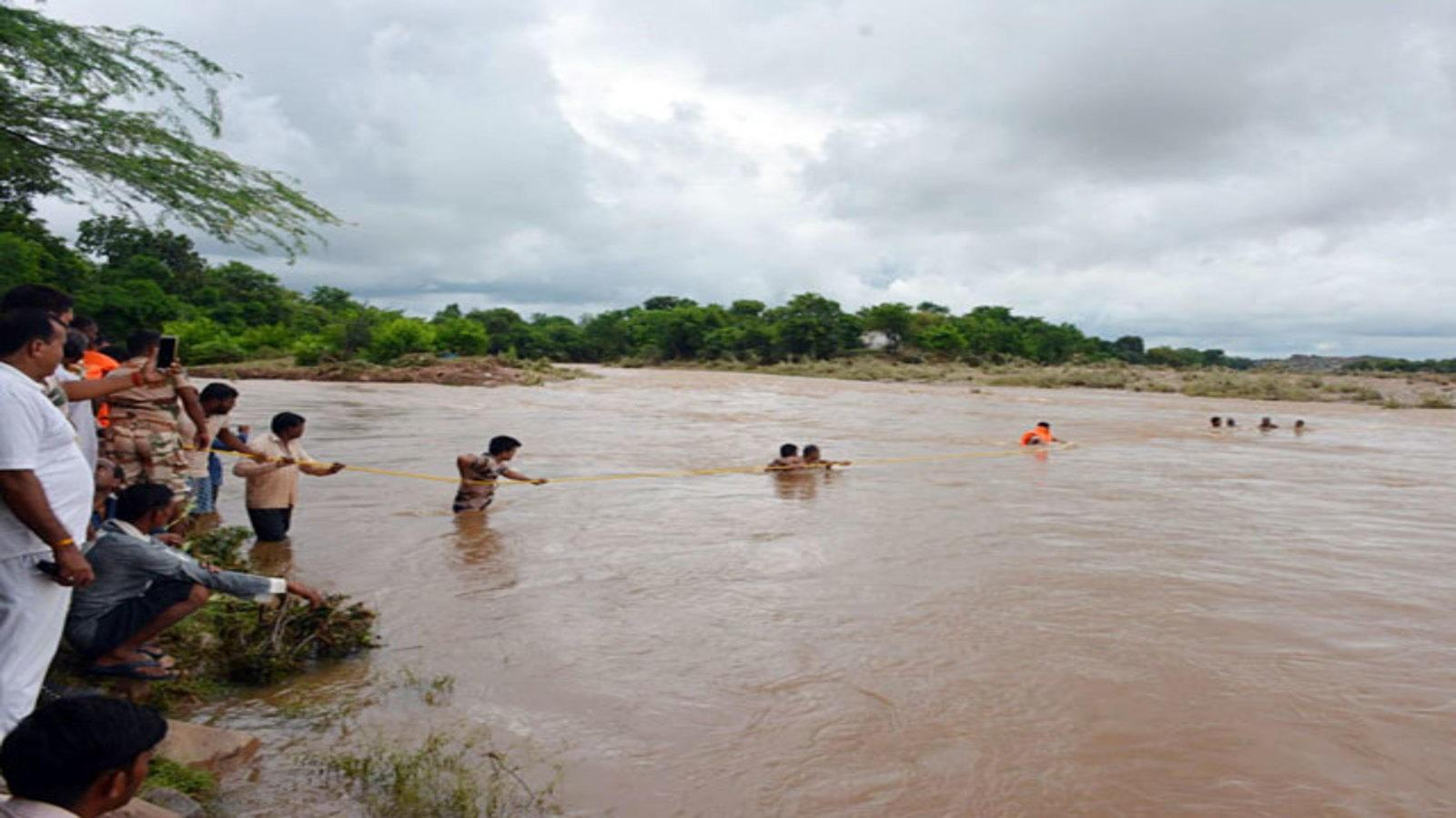 madhya-pradesh-floods-imd-issues-alerts-for-23-districts-death-toll-reaches-18