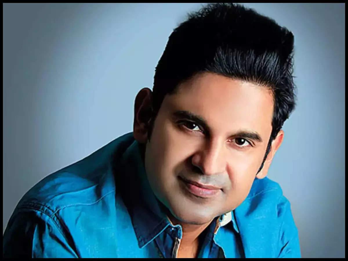 Lyricist Manoj Muntashir centre of debate for 'hate' post on Mughals; Richa  Chadha, Neeraj Ghaywan react | Hindi Movie News - Times of India