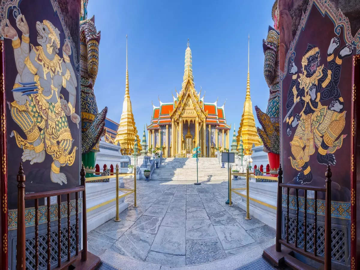 Exploring Bangkok's famous cultural attractions