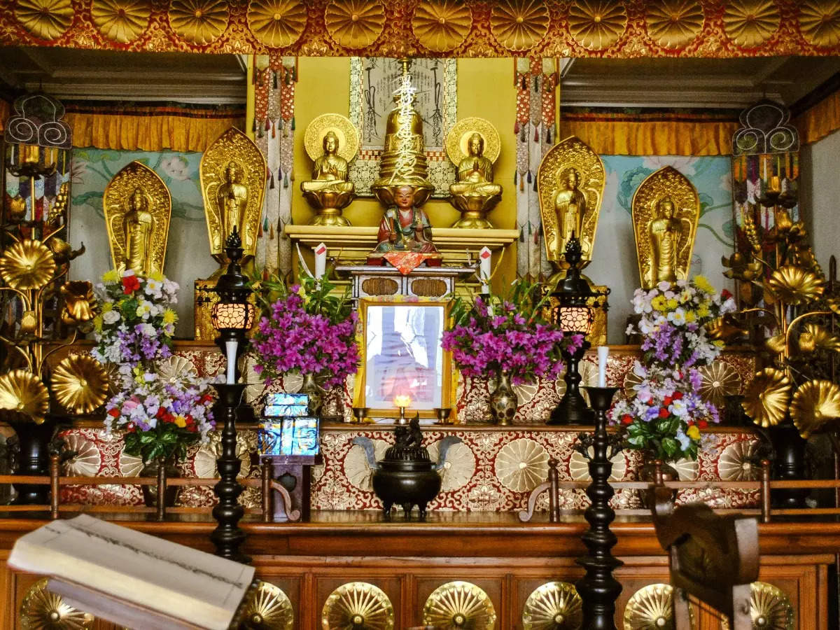 Visit this Japanese Buddhist Temple in Kolkata for a moment of peace