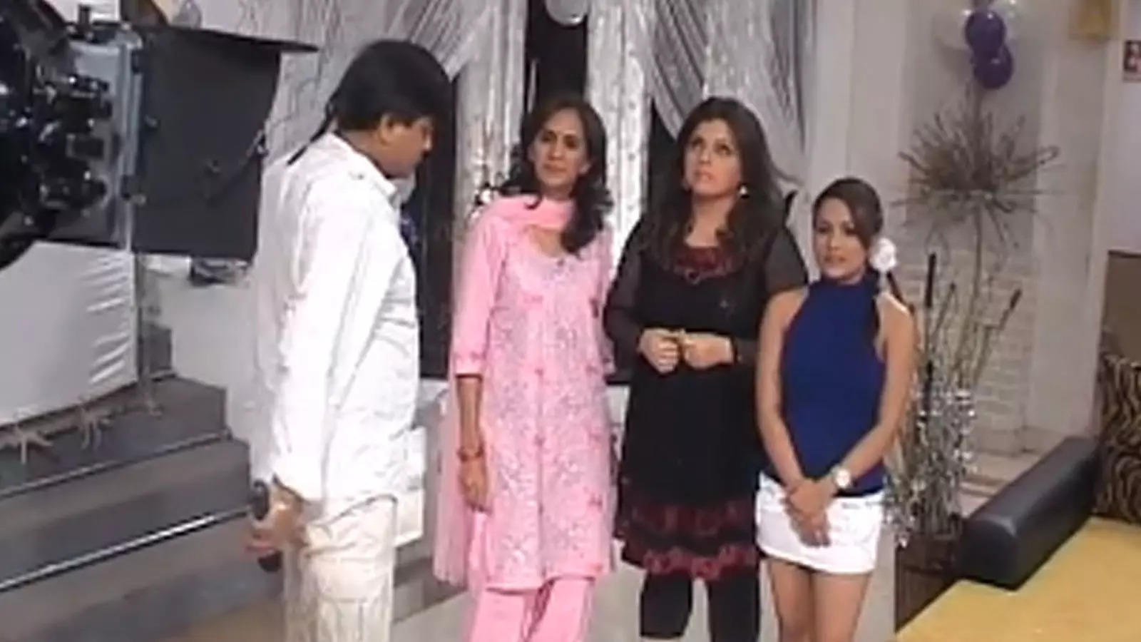 flashback-video-shooting-of-deepshikha-nagpal-and-delnaaz-iranis-2011-movie-yeh-dooriyan