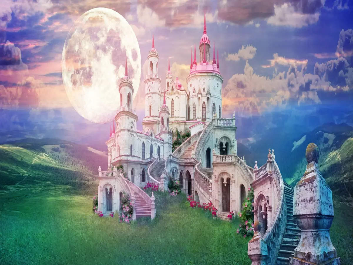 These castles are right out of fairytale books!
