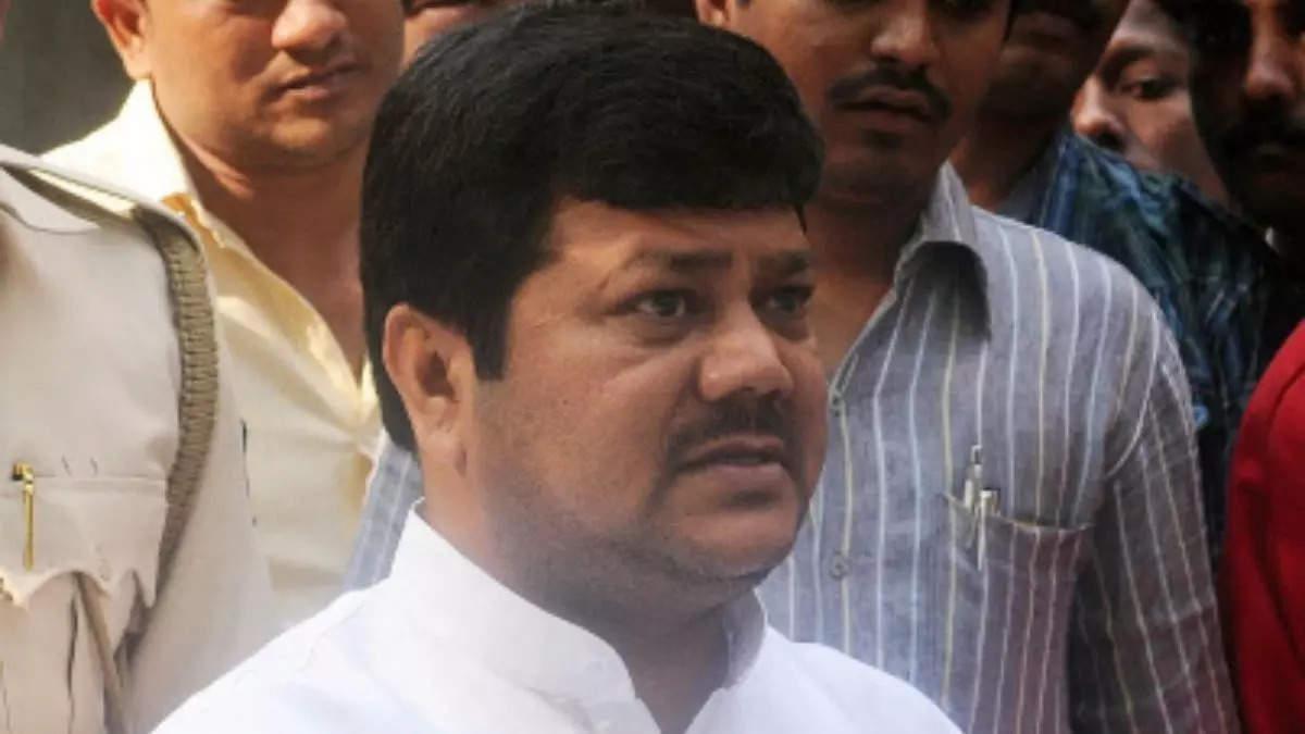 Maharashtra: FIR against BJP's Pravin Darekar over 'painted cheeks' remark against NCP
