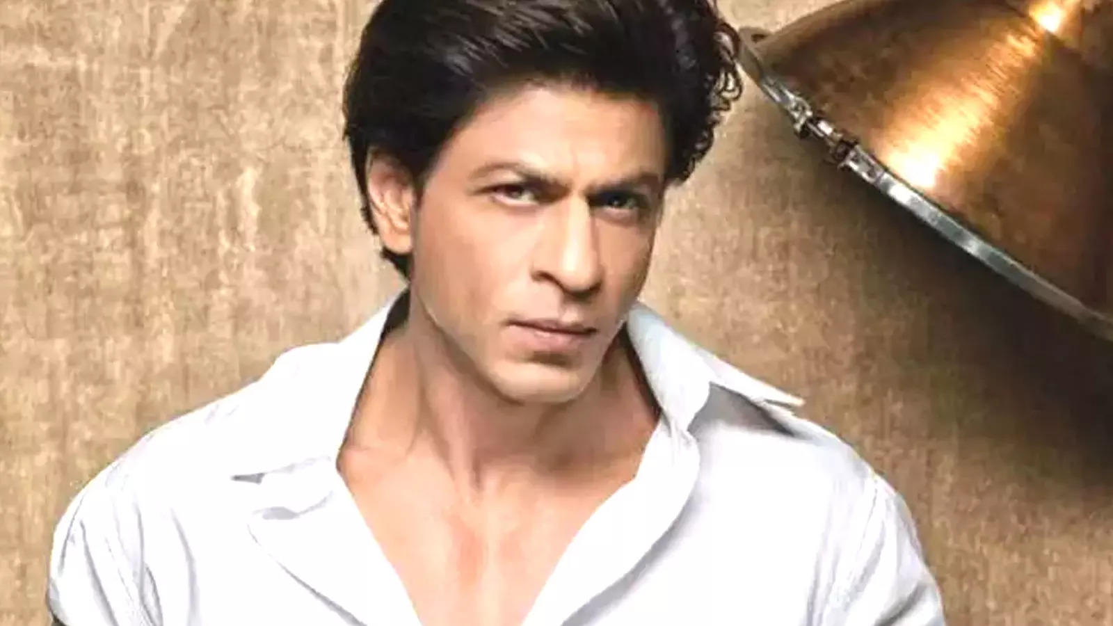 heres-how-to-describe-shah-rukh-khan-in-sign-language-actor-makes-it-to-isl-dictionary-launched-by-pm-modi
