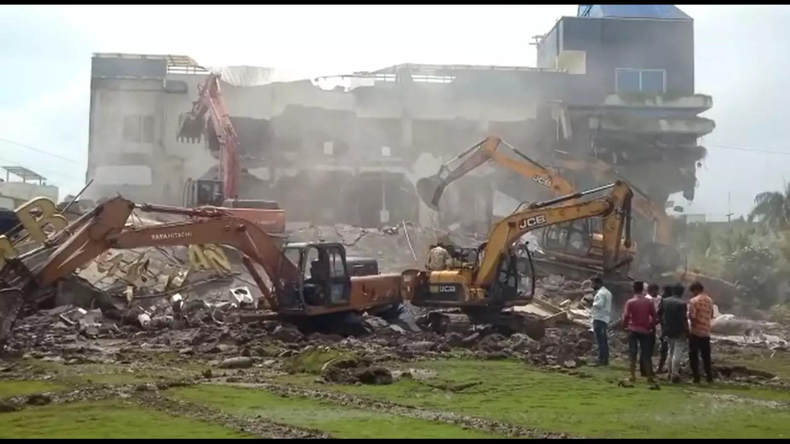 indore-city-administration-frees-land-worth-rs-1000cr-from-land-mafia