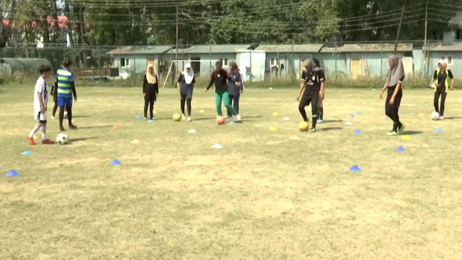 kashmir-valley-academy-trains-girls-to-help-them-make-big-in-the-world-of-football