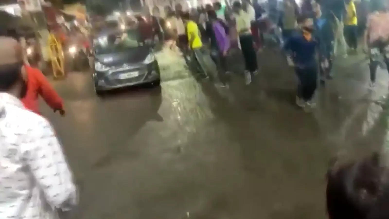 bhopal-2-injured-after-vehicle-rams-into-durga-idol-immersion-procession