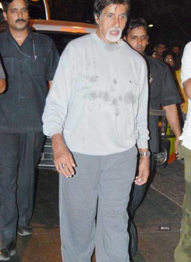 Amitabh Bachchan Spotted Out Without Make Up A film director once was waiting for amitabh bachchan's at his place. amitabh bachchan spotted out without