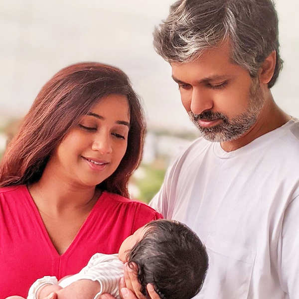 Shreya Ghoshal shares the first picture of her baby boy, names him Devyaan    Photogallery - ETimes