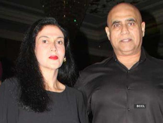 Rekha wears sindoor for Big B, says Puneet's wife