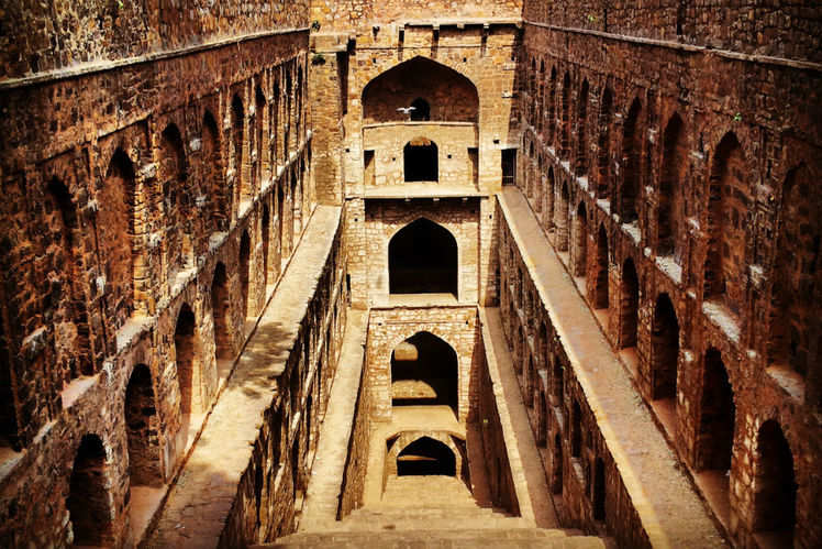 Chasing shadows―the most haunted places in Delhi