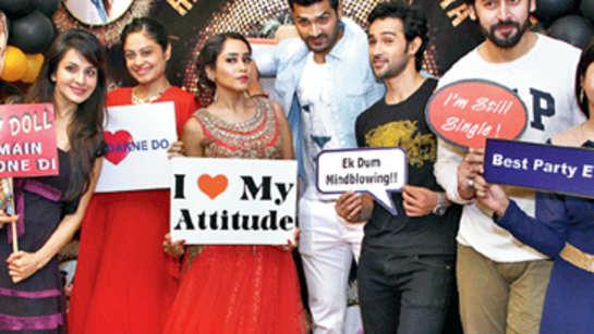 Watch: Aasiya Kazi's birthday bash pictures
