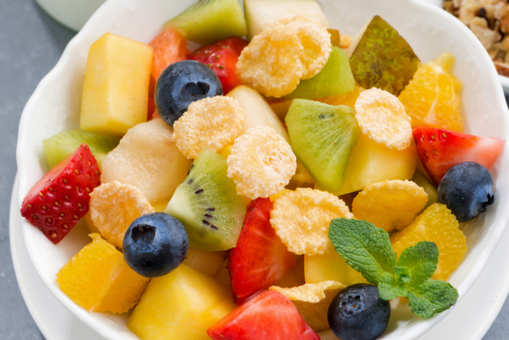 Corn Flakes Fruits Chaat
