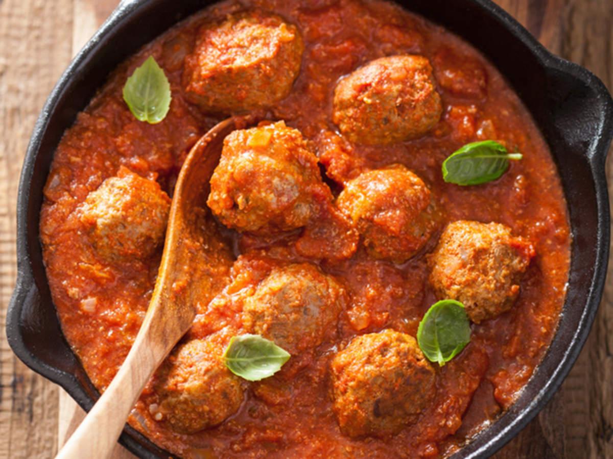 Mutton Kofta Recipe: How to make Mutton Kofta Recipe at Home | Homemade Mutton Kofta Recipe -Times Food