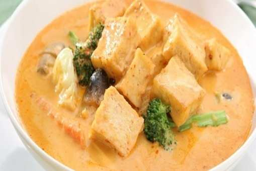 Mango, Tofu and Coconut Curry