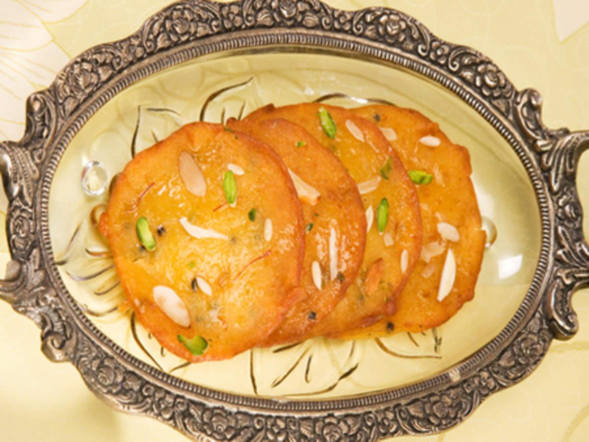 Malpua Recipe: How to make Malpua Recipe at Home | Homemade Malpua Recipe -  Times Food