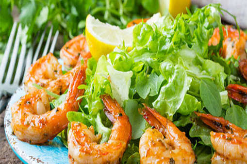 Grilled Shrimp and Pineapple Salad