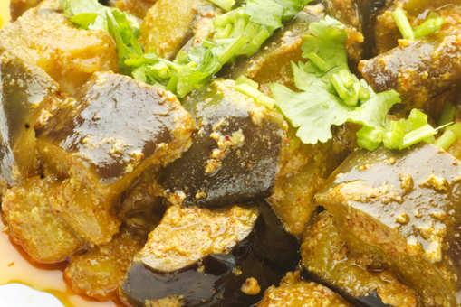 Brinjal and Capsicum Curry