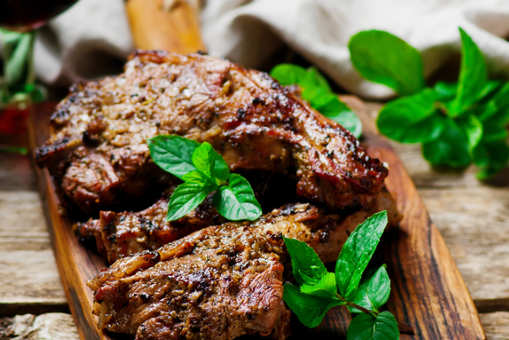 Barbecued Lamb with Mint Yogurt