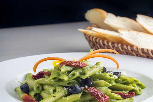 Avocado Pesto Pasta
