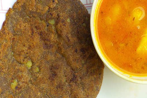 Kuttu ki Puri (Puffed Buckwheat Bread)