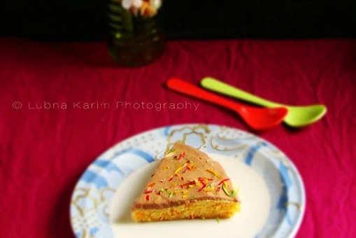 Eggless Microwave Carrot Cake