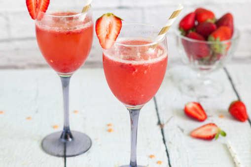 Strawberry Sparkling Wine Cocktail