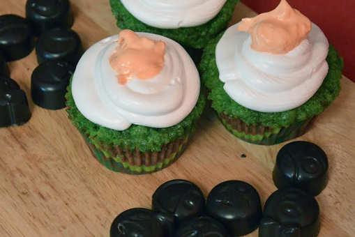 Centre-filled Tricolour Cupcakes