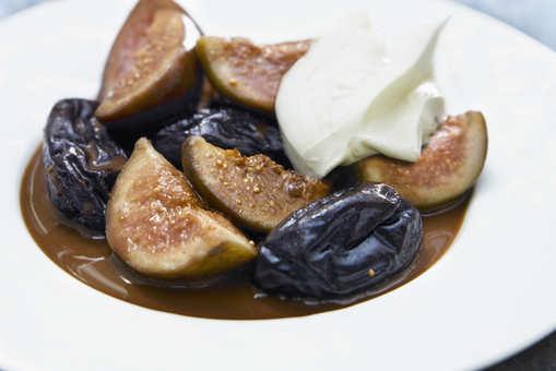 Stewed Dry Figs Dessert