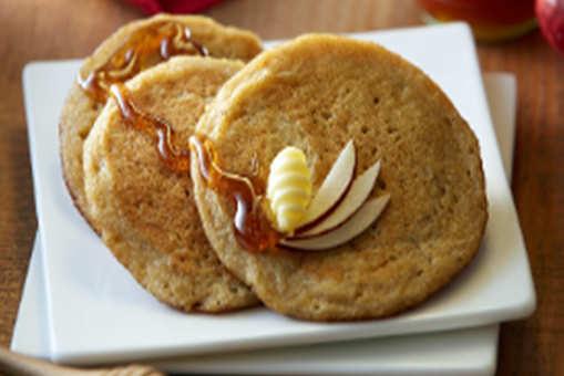 Apple Cornflakes Pancakes
