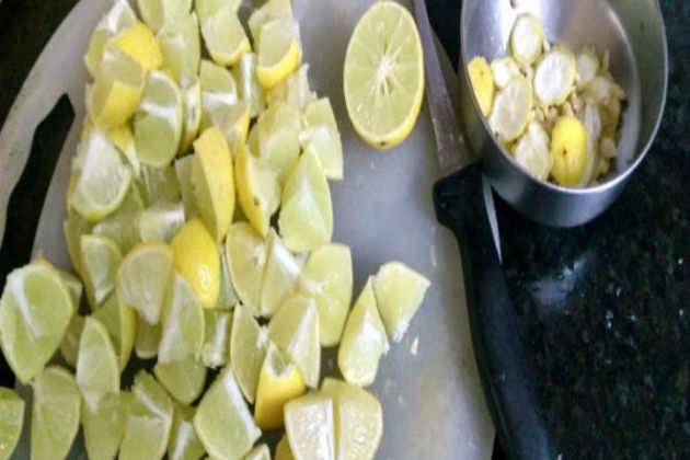 Hot & Sweet Lemon Pickle 1