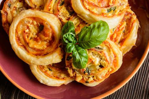 Tomato-Mozzarella Rolls