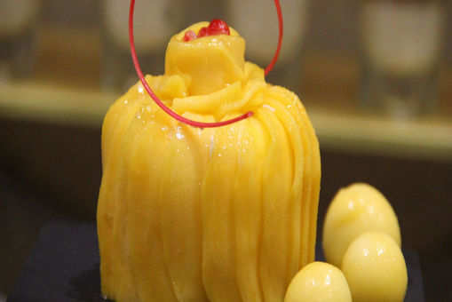 Eggless Mango Pastry