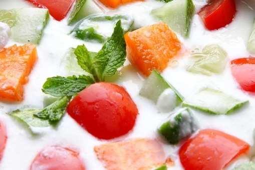 Healthy Cucumber Tomato Carrot Raita