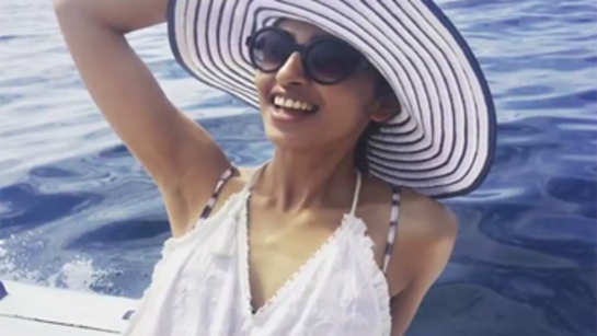 Radhika Apte's Tuscany beach holiday is giving us vacation goals