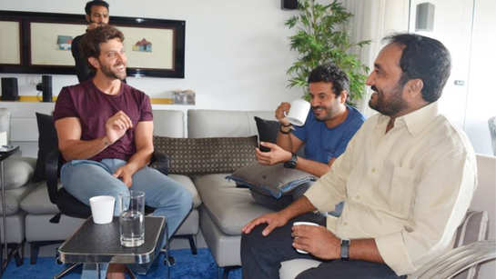 Hrithik Roshan meets mathematician Anand Kumar to prepare for Vikas Bahl's 'Super 30'
