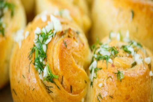 Eggless Garlic Rolls