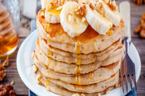 Oatmeal Cinnamon Pancake with Eggs