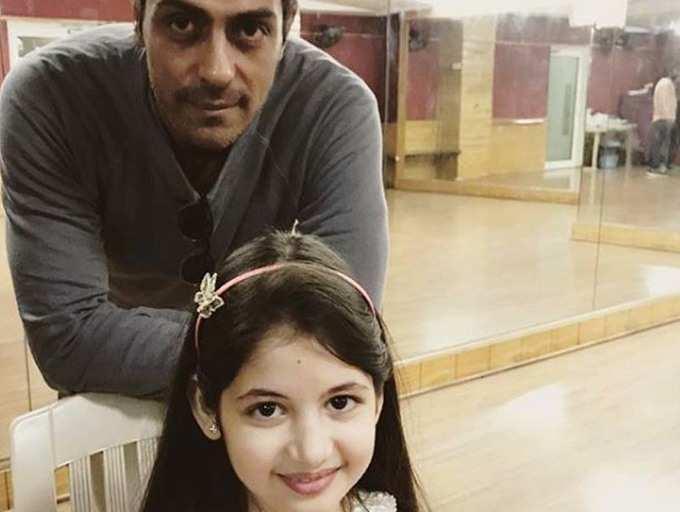 Arjun Rampal's new co-star is little Munni from 'Bajrangi Bhaijaan'