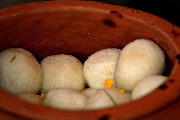 how to make rasgulla in hindi at home